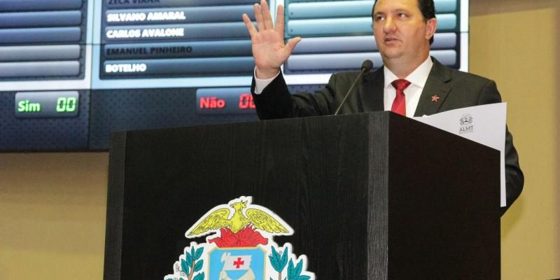 Valdir Barranco é empossado deputado estadual