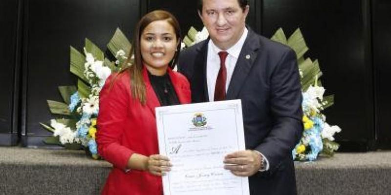 Barranco entrega títulos de cidadão mato-grossense