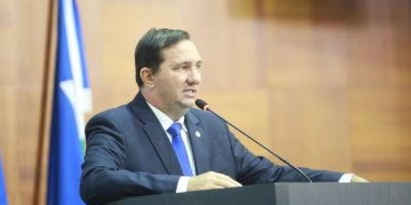 Barranco pede vista e adia votação do empréstimo do governo