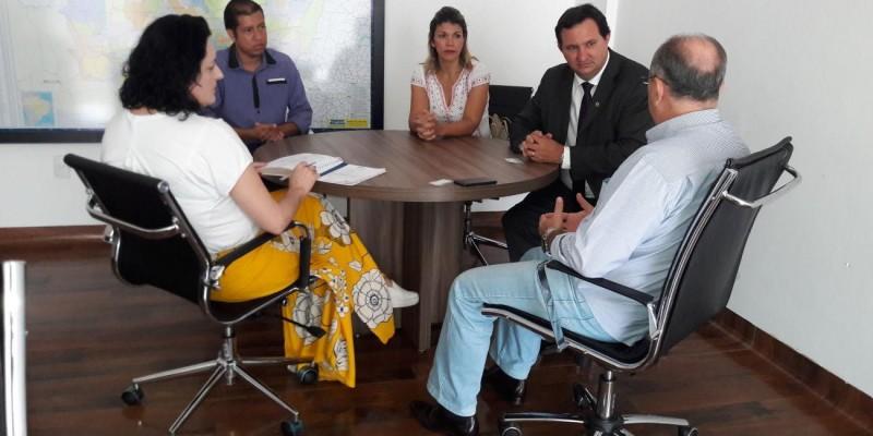 Barranco visita Hospital de Câncer, que continua fechado por falta de verbas