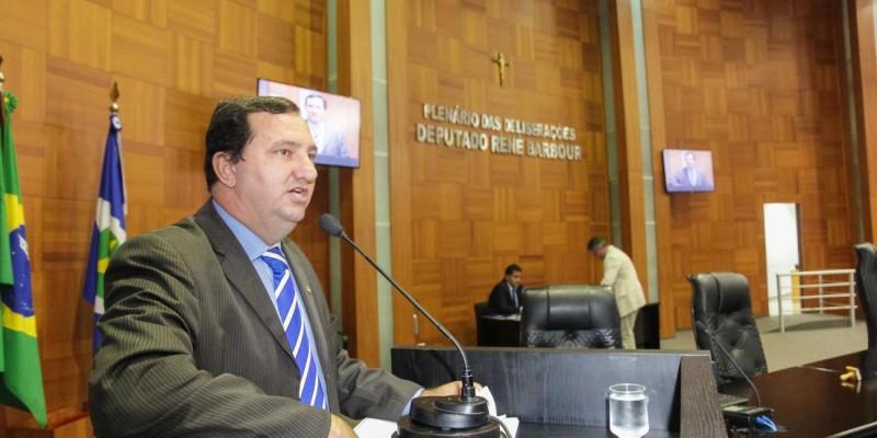 Oposição vai processar Mesa Diretora por improbidade administrativa