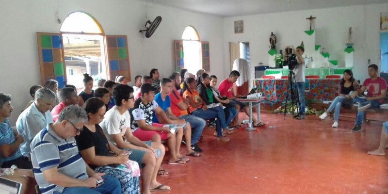Equipe do deputado Barranco participa de encontro com a juventude em Poconé