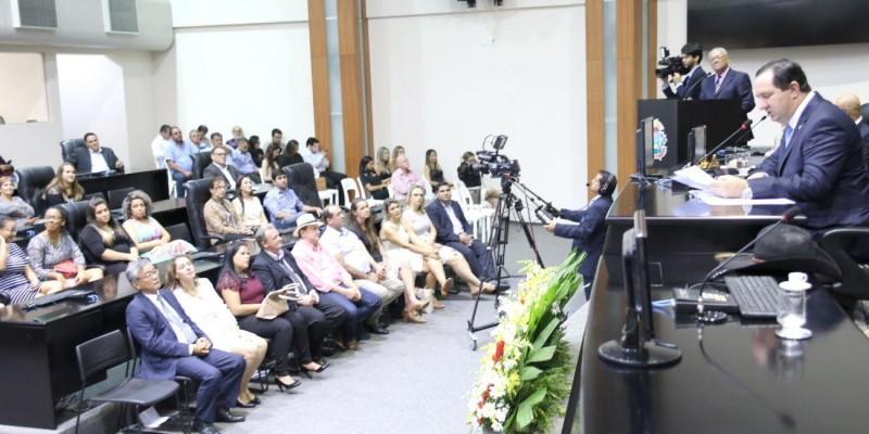 Barranco entrega novos títulos de cidadão mato-grossense