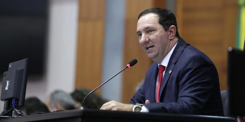 Estado deixa de investir R$ 1 bi em educação pública