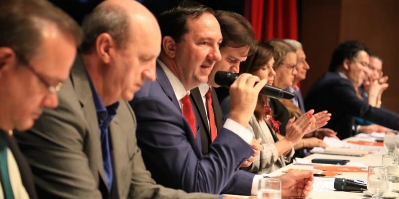 AL debate novo Fundeb e os impactos da reforma tributária na educação
