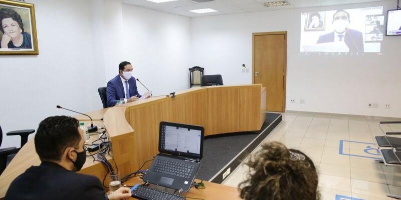 Comissão especial de volta às aulas prepara relatório final