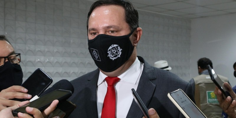 Barranco diz que AL não pode ficar 'de cócoras' diante do Executivo e critica assistência social