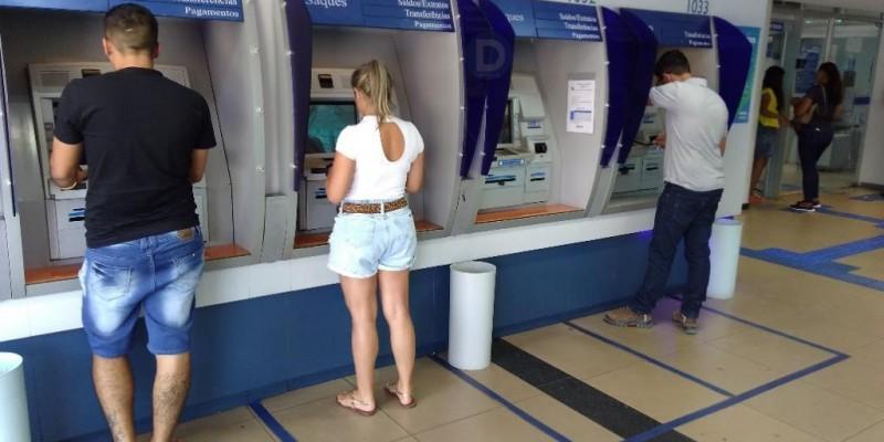 Deputado pede instalação de agências da Caixa e Banco do Brasil no bairro Pedra 90, em Cuiabá