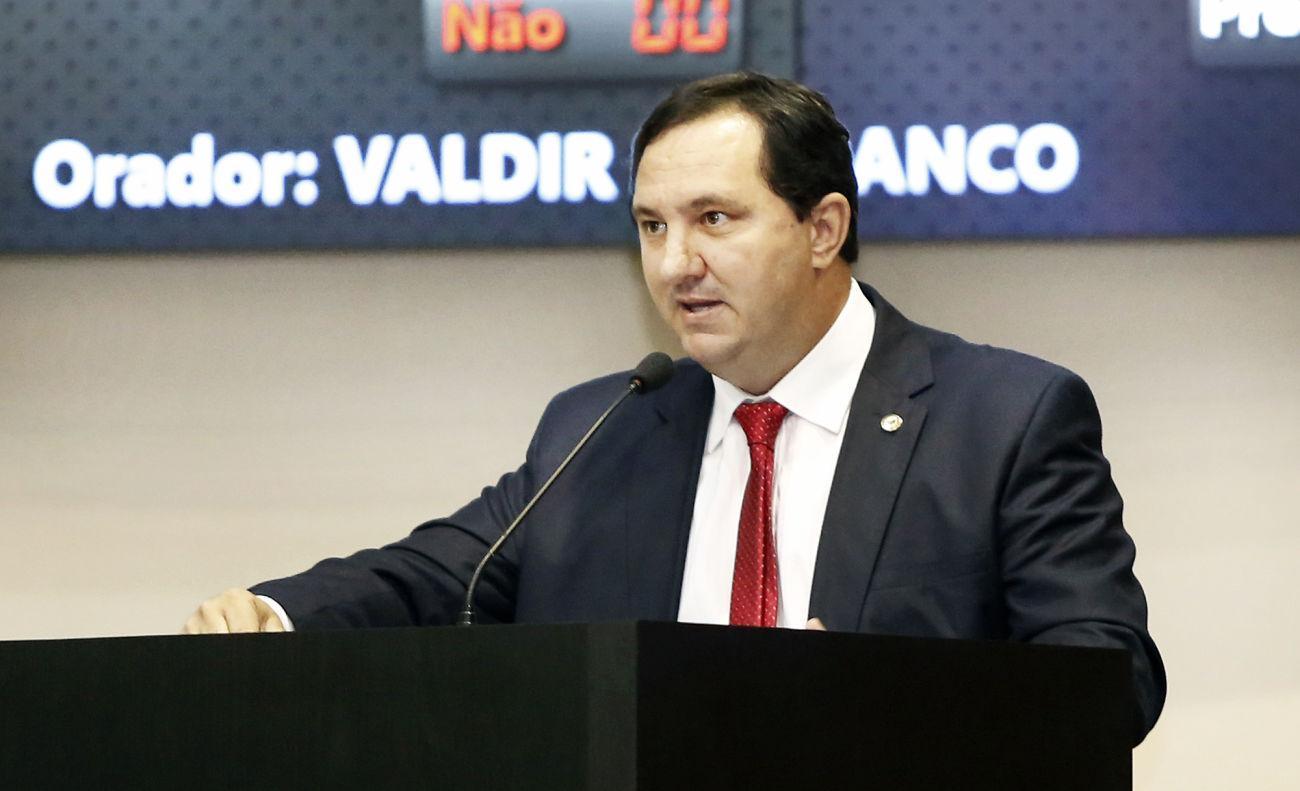 Deputado critica sucessivas trocas de secretários na Saúde estadual