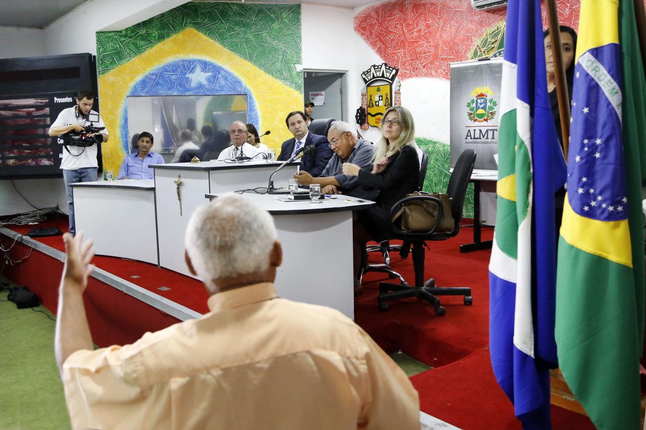 Mais de 80% dos imóveis de Várzea Grande não têm escritura