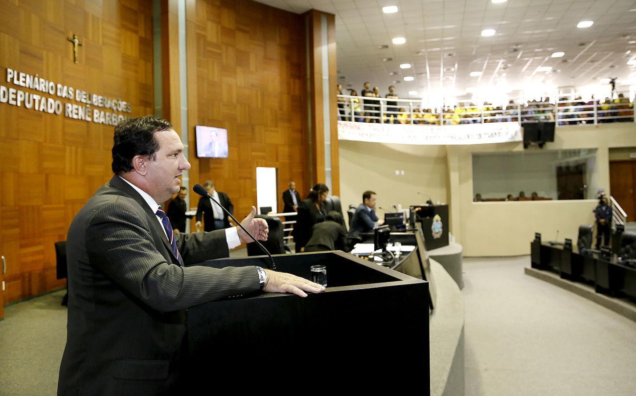 Valdir Barranco critica programa de governo para vigiar servidor público
