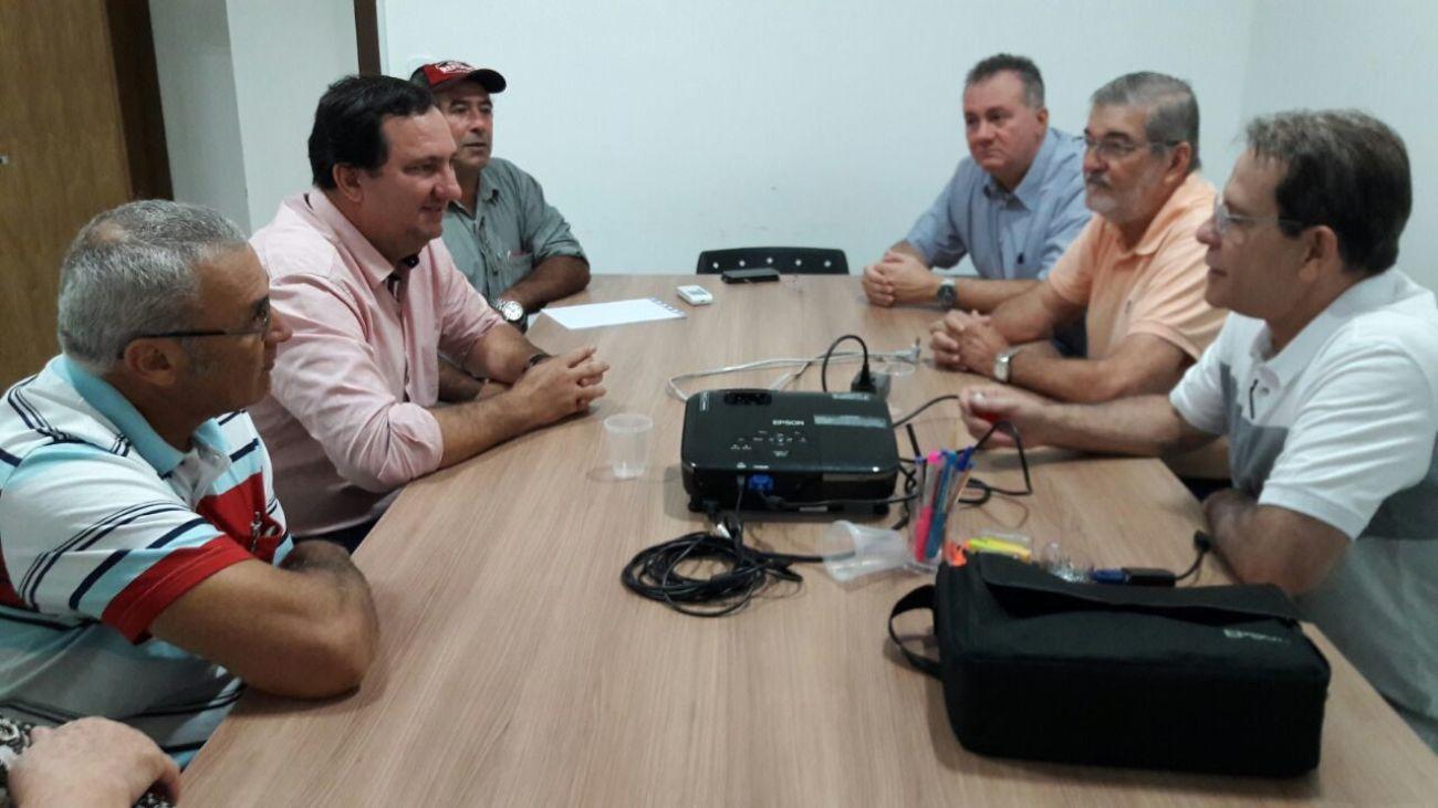 Valdir Barranco é recebido pela CES e cobra reassentamento de famílias