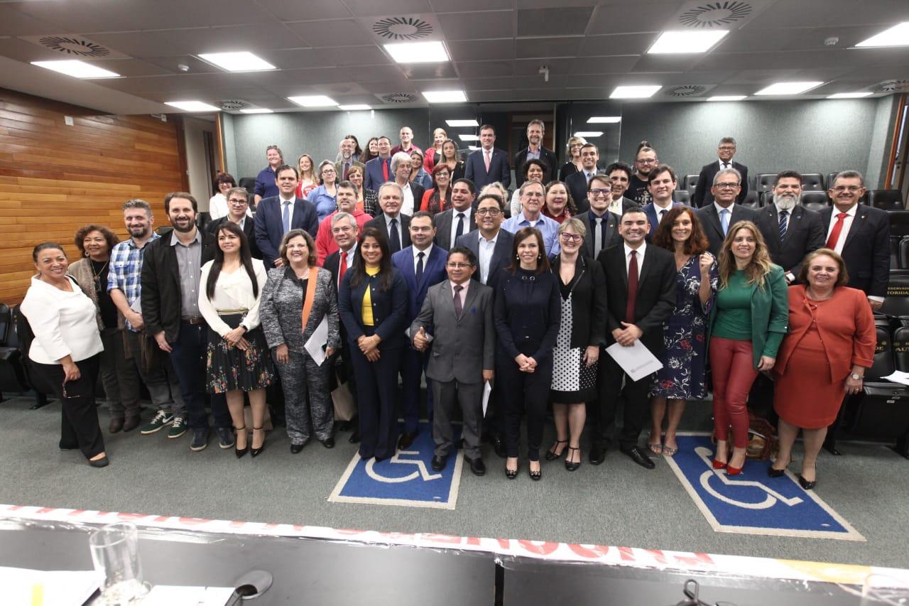 Lançada a Carta de Florianópolis em defesa do Fundeb e do PNE