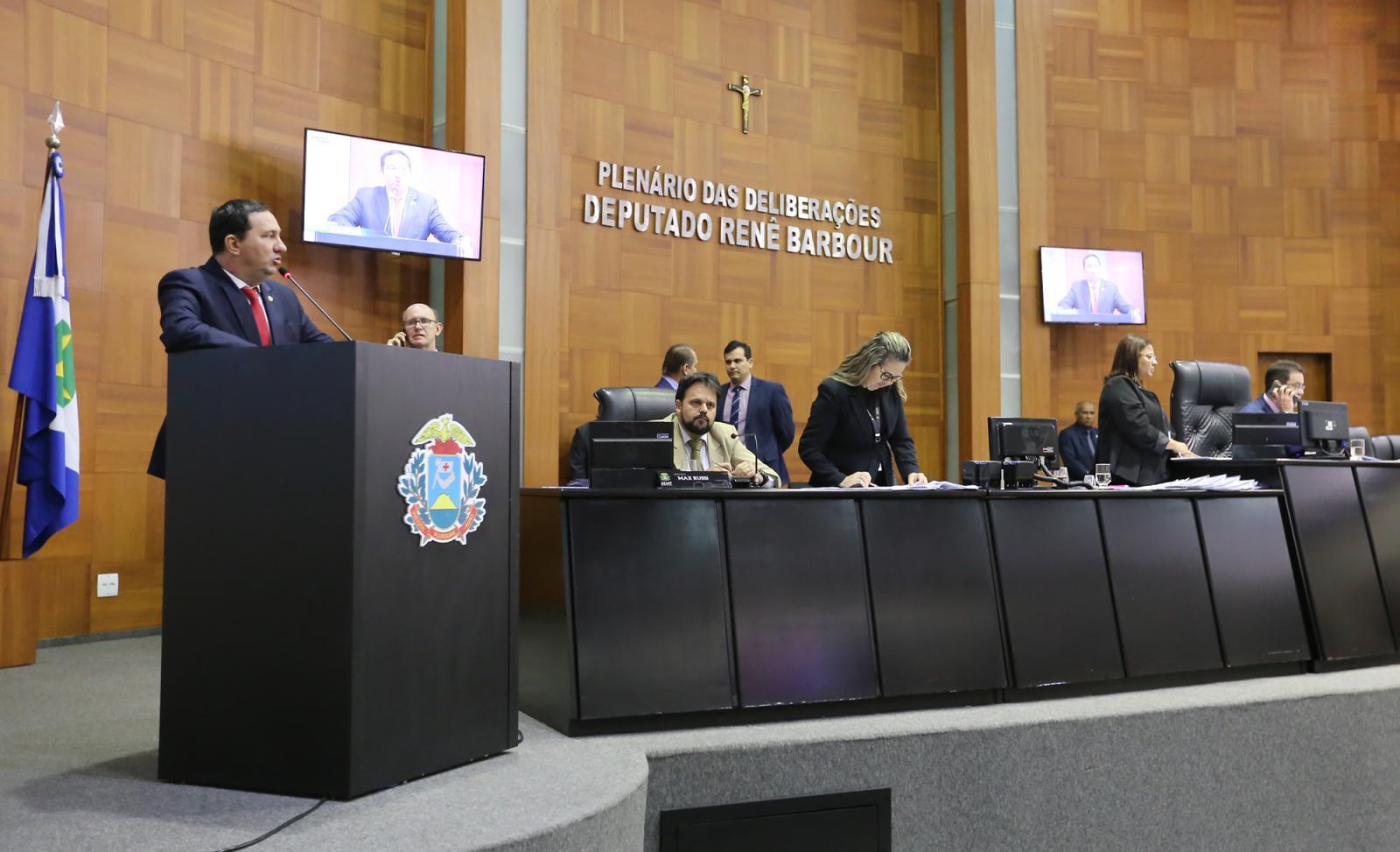 Barranco de Dr. João defendem deputada Rosa Neide
