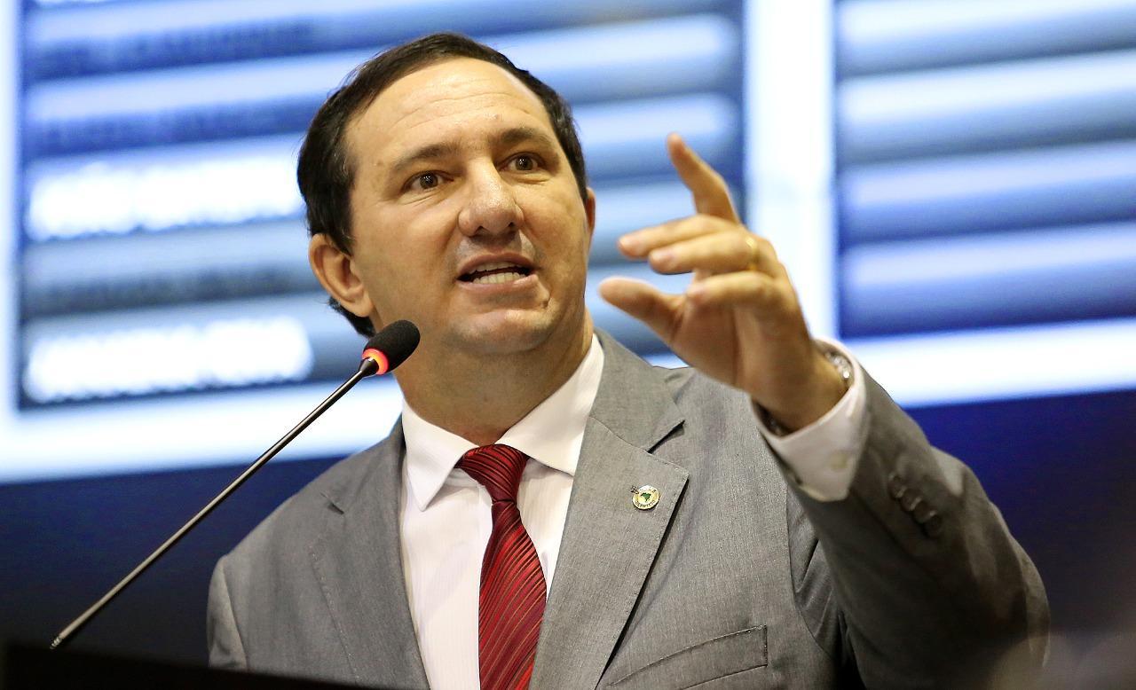 Barranco pede vistas das contas de Taques e leva votação para 2020