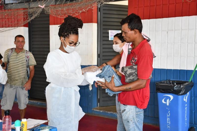 Projeto elaborado para oferecer atendimento de higiene básica à pessoas em situação de rua é aprovado pela ALMT