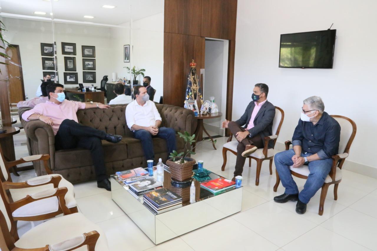 Conversa garante prioridade de bancários na vacinação contra a Covid-19 em Várzea Grande